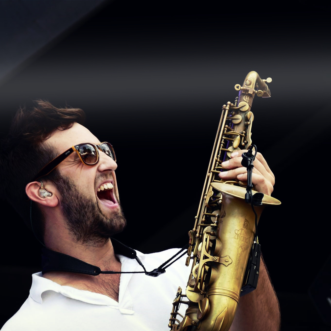 Sax with the DJ